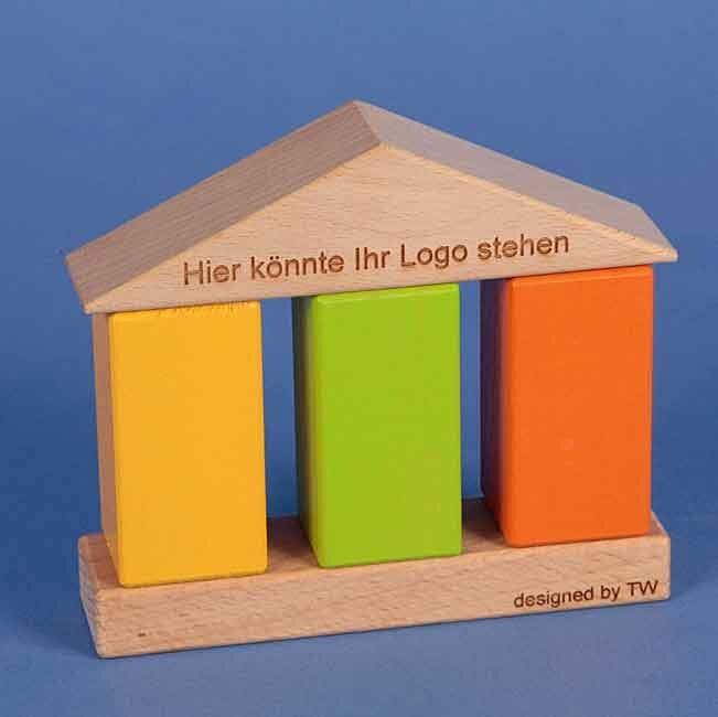 media/image/Haptisches-Haus-lackiert8Shaqe26fM4NQ.jpg