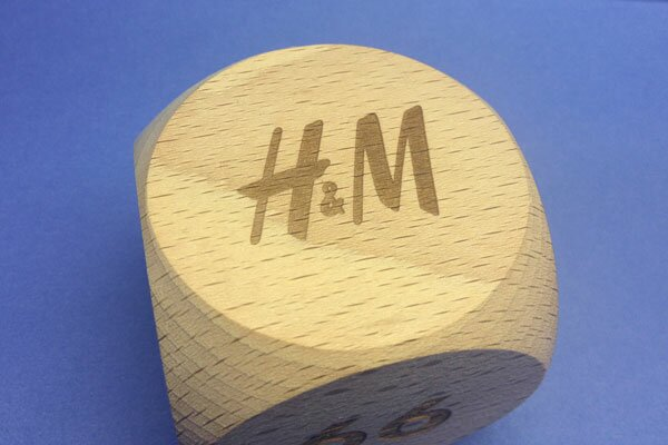 media/image/Holzbaustein_mit_H-M_logo.jpg